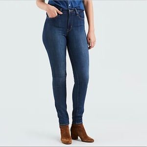 Levi's 721 High Rise Skinny Dark Wash Size 32